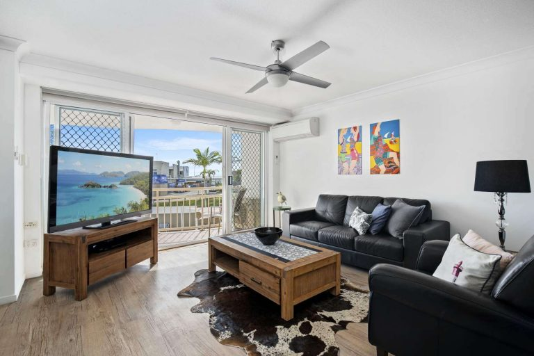kirra beachfront holiday apartments